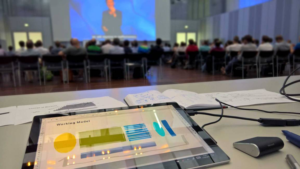 """Digitales Graphic Recording oder das """"bessere"""" PowerPoint"""