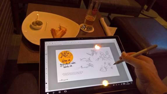 beim-Zeichnen-in-der-Bar